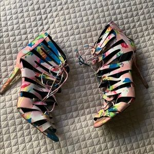 Kendall and Kylie Jenner SZ 9.5 high heel shoes
